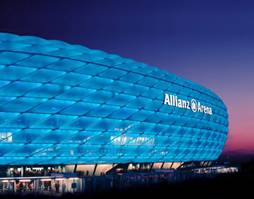 Allianz Arena, un stadion spectaculos - Allianz Arena - Slide 3 din 3